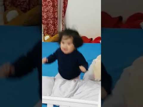 Selin Amaris Esmer Dancing Head Shoulder Knees and Toes