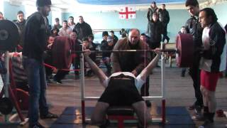 Цотнэ Бежашвили - жим лежа 200 кг (64 кг) без экипировки