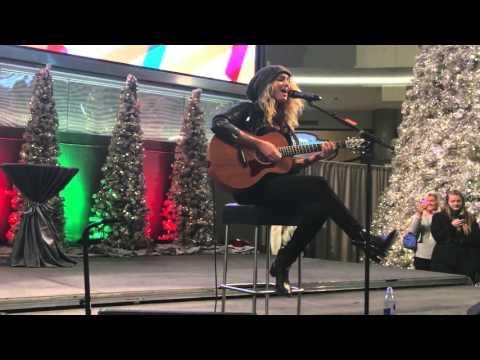 Tori Kelly - Full Concert - 2015-11-27 - Mall Of America; Bloomington, Minnesota