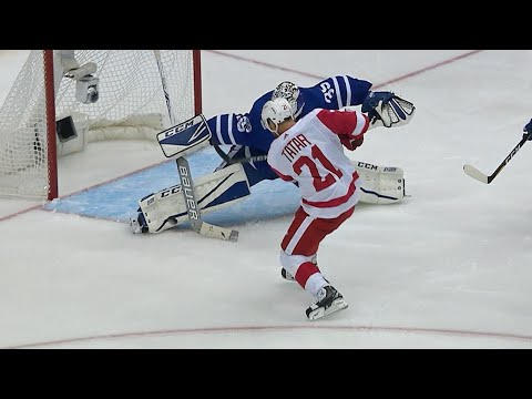 10/18/17 Condensed Game: Red Wings @ Maple Leafs