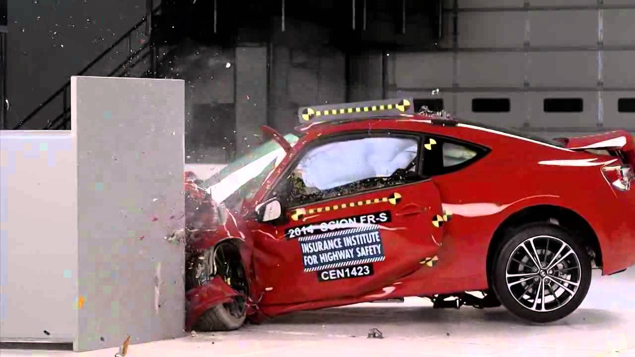 2013 2018 Toyota 86 Subaru Brz Scion Fr S Iihs Narrow Overlap Crash Test Youtube