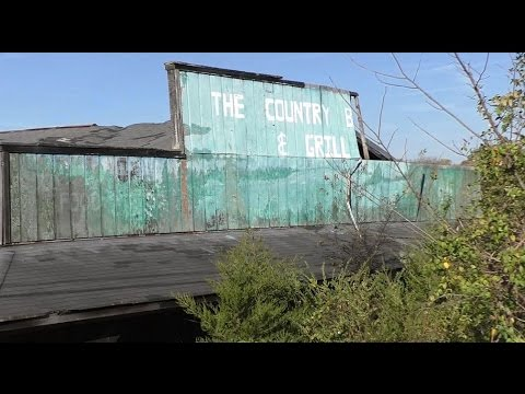 #30 Abandoned Country Bar and Grill Restaurant - lovely decay!