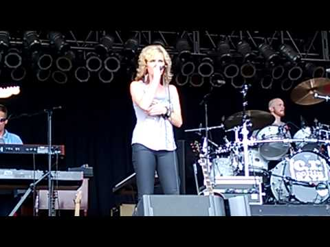 Kristen Kelly - He Loves To Make Me Cry - Porterfield Country Music Fest - Wisconsin - 2013