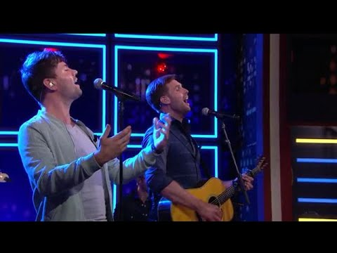 EXTRA: Nick & Simon - Proosten op de doden - RTL LATE NIGHT