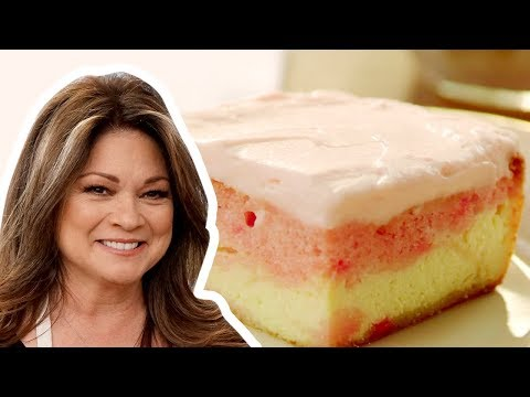 Valerie Bertinelli Makes A Strawberry Love Cake Food Network Youtube