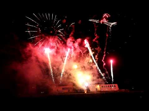 1st Galaxy Fireworks Ltd provide a huge Display for 50,000 Spectators in Nottingham