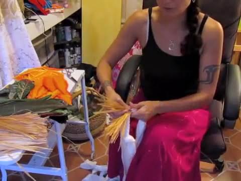 How to make a Tahitian hip hei