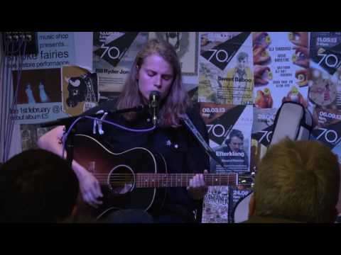 Marika Hackman - I'd Rather Be With Them (live at Rise, Bristol - 5th June 17)