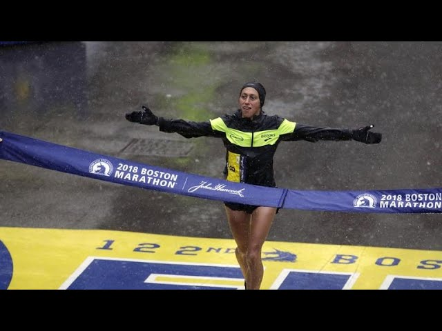 1st American woman wins Boston Marathon in 33 years