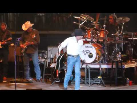 George Strait - Deep In The Heart Of Texas Intro / The Fireman LIVE [HD] 6/5/14