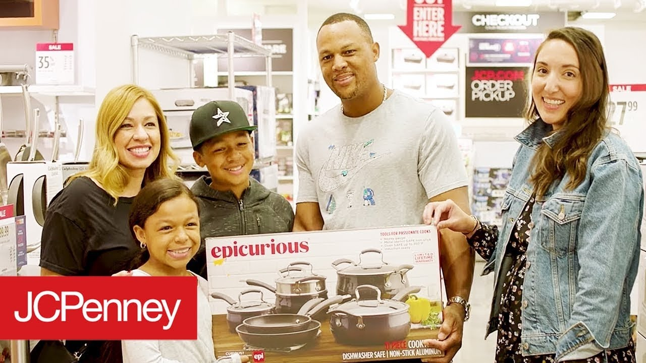 5a9903f83aec Jacqui Saldana s Holiday Surprise - Gift Of Giving