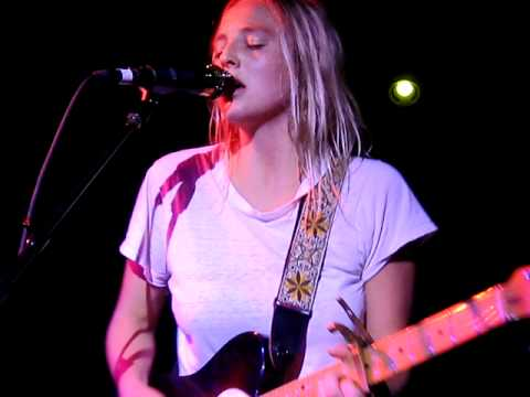 Lissie - Pursuit of Happiness (Live in NYC)
