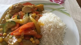 Vegetable curry sauce with white rice
