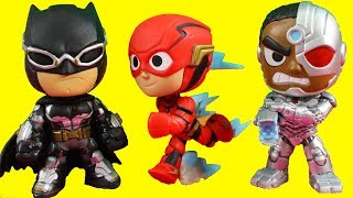 Justice League Mystery Minis Kids Toys Unboxing + Cyborg Batman & The Flash Battle Steppenwolf