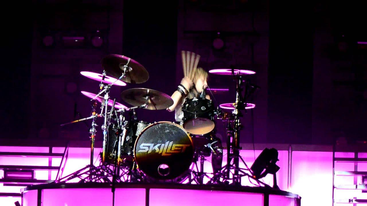 All 3d Live Wallpaper Jen Ledger Skillet Drummer Drum Solo Hd Youtube