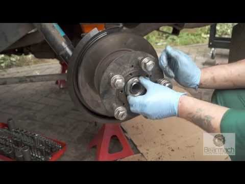Stub axle change - The Fine Art of Land Rover Maintenance