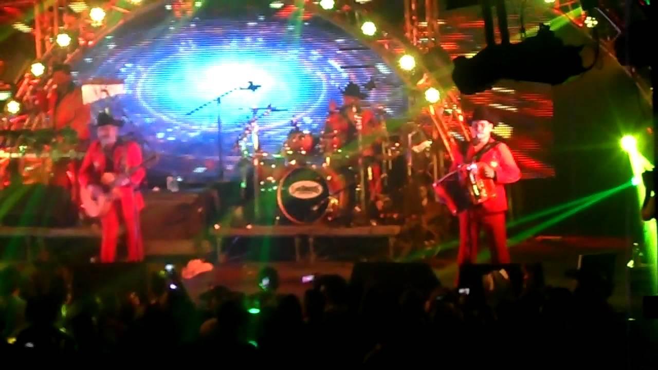 Los Chiquinarcos Los Tucanes De Tijuana En The Ritz Disco