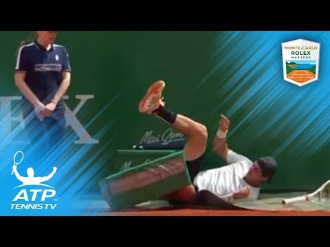 FUNNY: Kokkinakis gets his revenge after taking a fall!   Monte-Carlo 2018