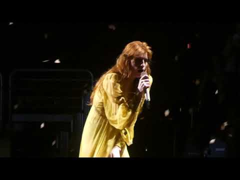 """Big God"" Florence & the Machine@Wells Fargo Center Philadelphia 10/14/18"