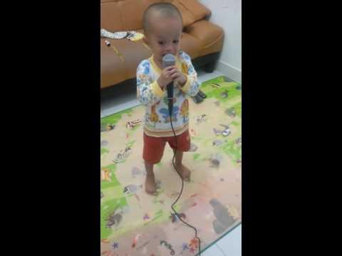 Karaoke Alif Baa Taa.. Lucu!!
