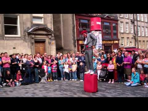 Street Comedy Performer Royal Mile Festival Fringe Edinburgh Scotland