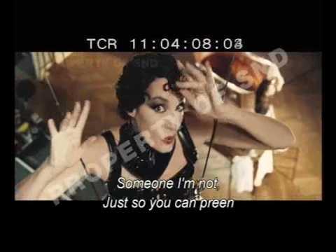 Jeanne Balibar chante dans Le Bal des actrices