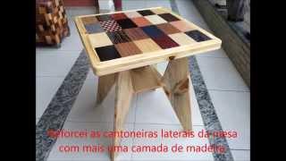 Marcenaria Criativa - Mesa com Marchetaria feita com madeira reciclada