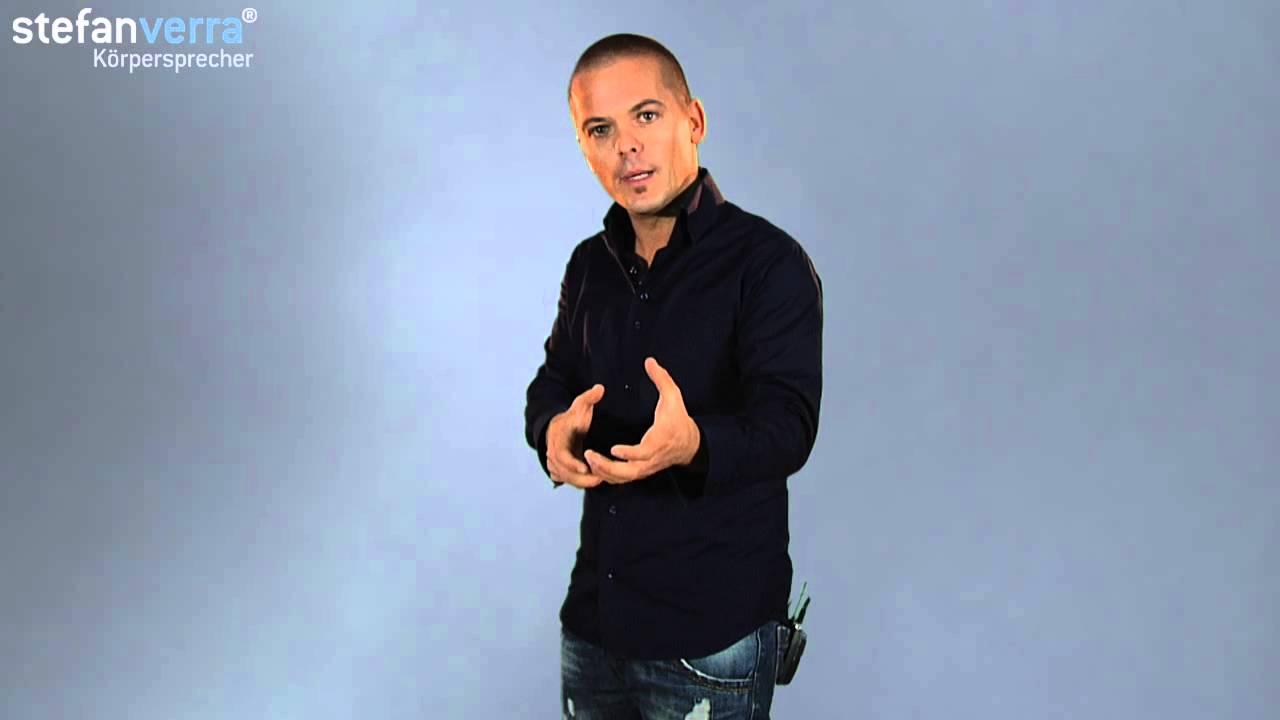 Körpersprache deuten: Handschlag mit beiden Händen - YouTube