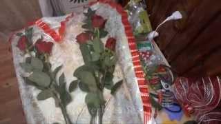Букет в виде сердца из целлофана.(Мастер-класс букет в виде сердца. Все видео смотрите на http://flowerbusiness.ru/freelessons или на http://buketsvoimirukami.ru Сайт с..., 2012-10-07T06:52:52.000Z)