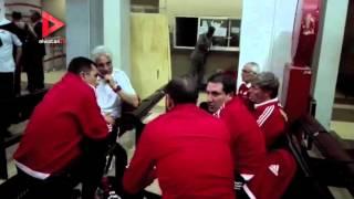 """بالفيديو  كواليس وصول بعثة المنتخب الوطني إلى نيجيريا استعدادا لمواجهة """"النسور"""""""