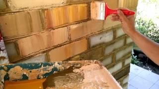 технология покраски кирпича в РИМСКУЮ СТЕНУ, technology painting brick Roman wall(1. Белый силикатный кирпич перед покраской пропитываем грунтовкой. 2. Закрашиваем бронзовой серебристой..., 2015-11-14T21:42:21.000Z)