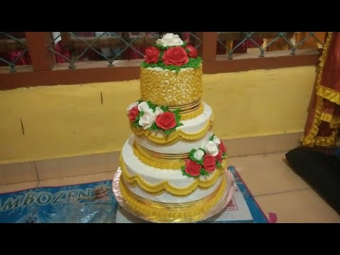 Kue Pengantin 3 Tingkat Warna Gold