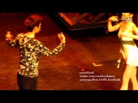 [Fancam] 120129 FAME Musical - EunHyuk Ballet & Angry (yuanHyuk)