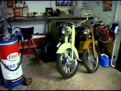 mon garage motos anciennes vespa solex peugeot monet goyon esso bosch youtube. Black Bedroom Furniture Sets. Home Design Ideas