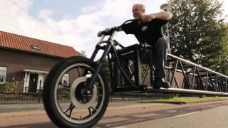 Самый длинный велосипед в мире!  ** Guinness World Records **(Подписывайтесь на наш канал! Мы вконтакте https://vk.com/guinness_top_records., 2016-03-08T09:18:08.000Z)
