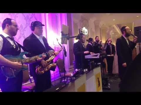 New Song! Aleph Bais Gimmel - [Yaakov Shwekey] -Menachem Moskowitz, Azamra Choir And Avrumi Berko