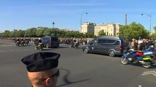 Soldats tombés au Burkina : émotion sur le Pont Alexandre III I AFP News