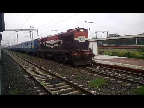 Indore - Chandigarh Express arriving at Dewas Jn.