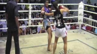 Nicole (Singapore) Sinbi Muay Thai fights @ Bangla Stadium