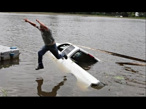 Car Sinking in water SINKING VEHICLES COMPILATION