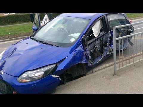 escort crash ford red