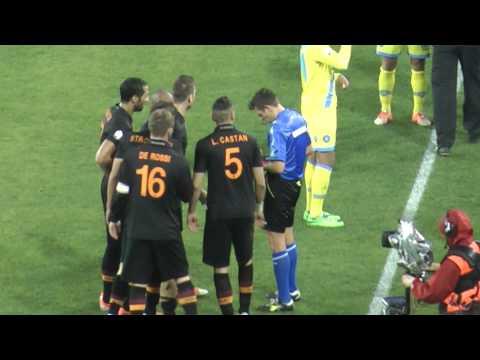 Napoli-Roma 3-0 12-02-2014 Strootman sputa dopo l'espulsione