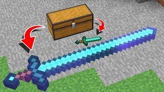 GIANT SWORD vs DIAMOND SWORD IN MINECRAFT!