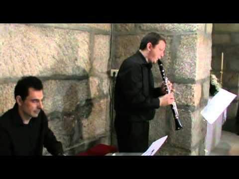 Clarinete y Piano Ave María Bach- Gounod.mp4