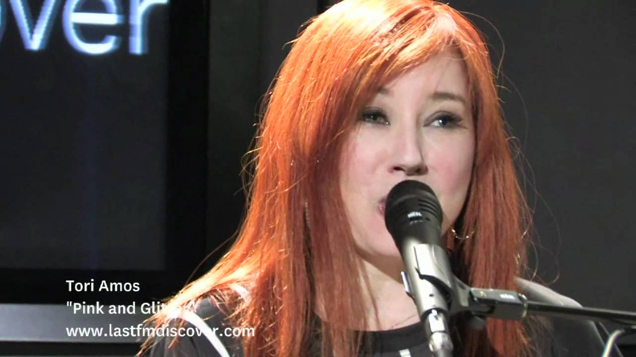 Tori Amos Aims High But Misses