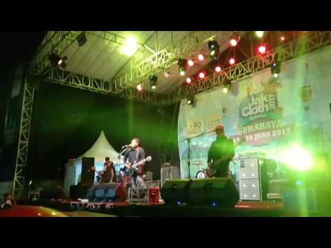 Last child - Indahkah Perbedaan. live konser Jakcloth lebaran Surabaya (16 Juni 2017)