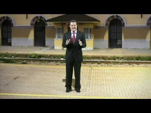 Guzzanti Recital - Romano Prodi alla stazione