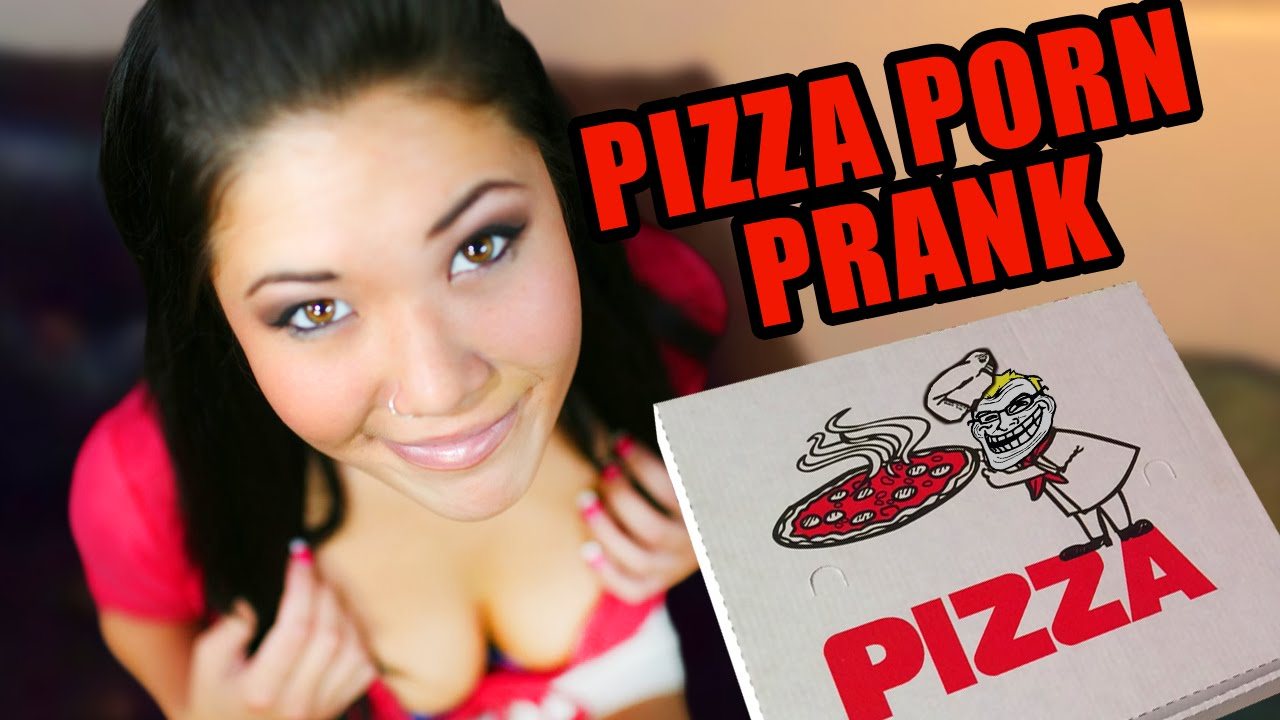 Porn Star pranks a real pizza guy!