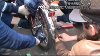 нога девочки застряла в металлической конструкции велосипеда архив(, 2015-04-20T07:59:46.000Z)