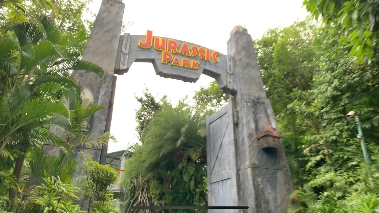 Jurassic Park Ride | Universal Studio Singapore - YouTube
